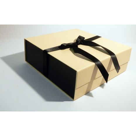 Cream and Black Two tone hamper